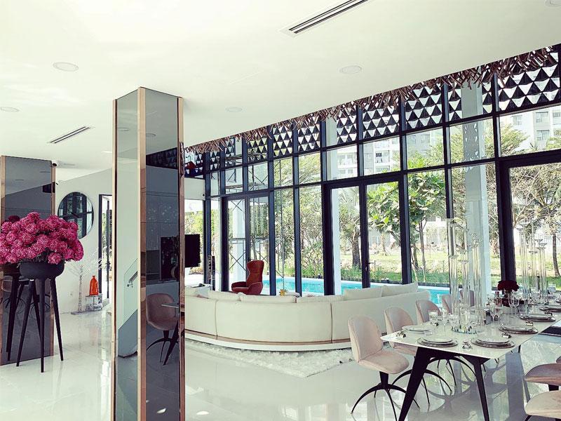 Phòng khách căn biệt thự Ngọc Trinh