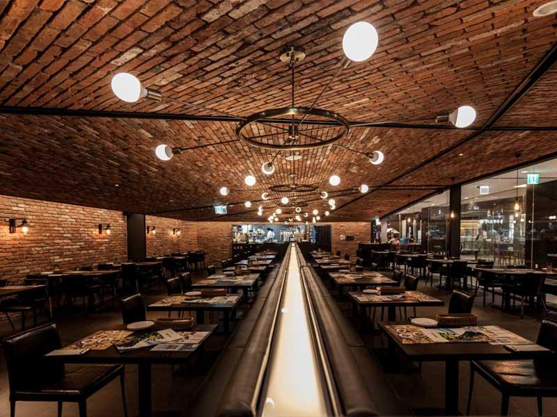 nhà hàng ăn uống theo phong cách lãng mạn