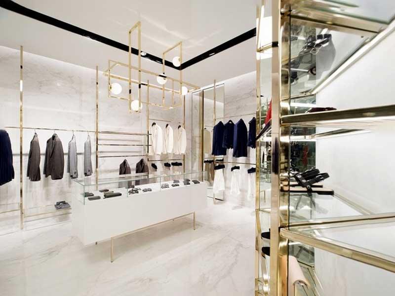 không gian quần áo sang trọng