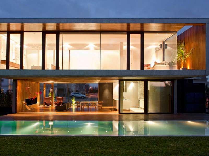 Ý tưởng thiết kế nhà phố quyến rũ với chất liệu kính cường lực