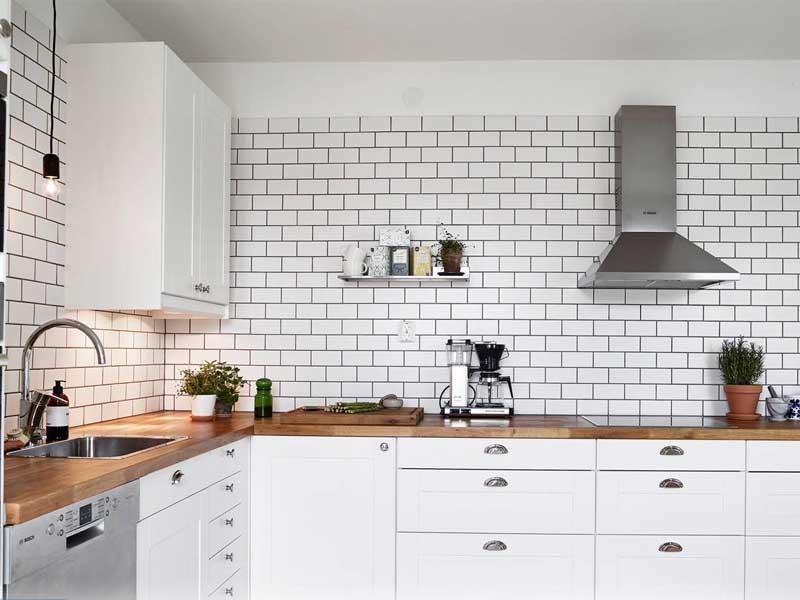 Ốp tường phòng bếp từ Gạch đất nung