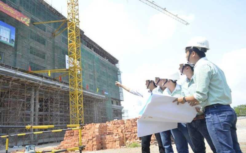 đội ngũ nhân viên xây dựng
