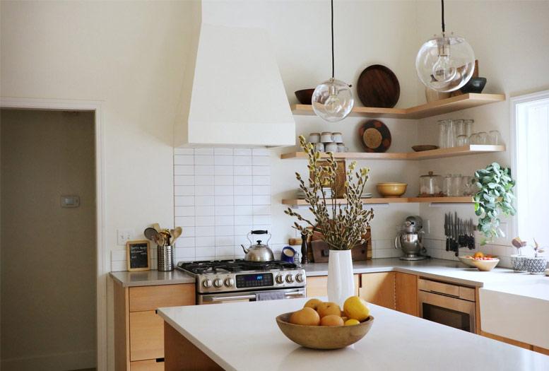 Lựa chọn tủ bếp cho nhà bếp ở quê